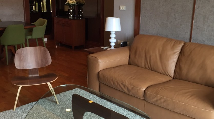 Two bed for rent at Phromphong - Sofa