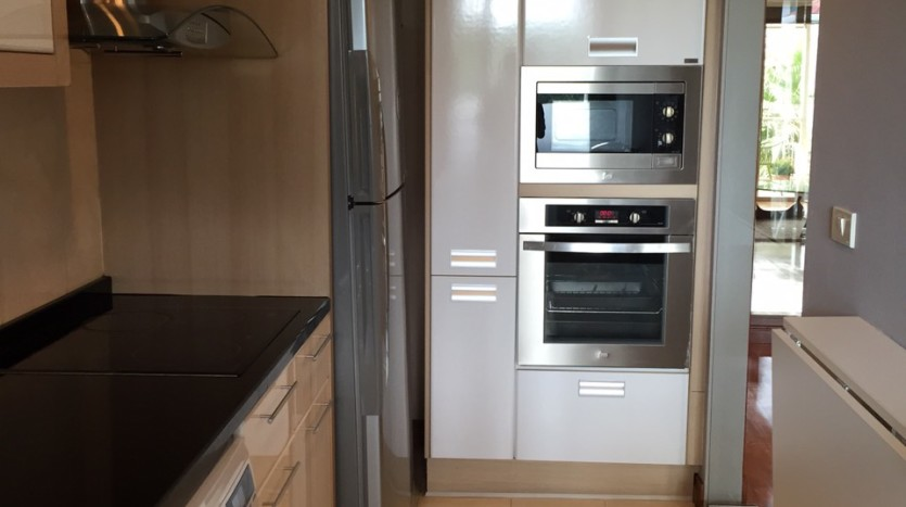 Two bed for rent at Phromphong - Kitchen