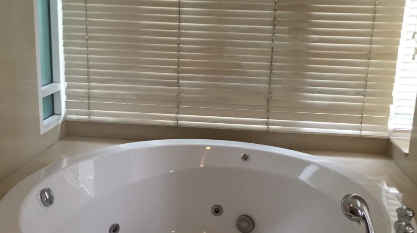 Two bed for rent at Phromphong - Jacuzzi