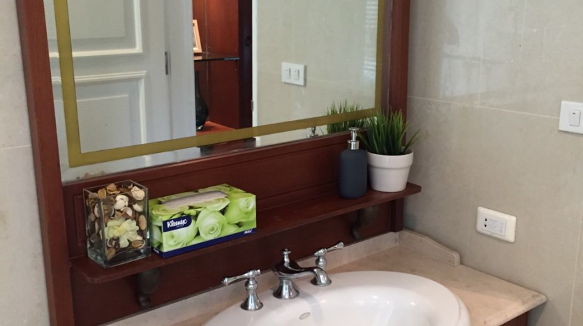 Two bed for rent at Phromphong - Bathroom