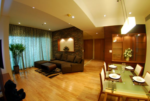 Three bedroom condo for rent in Asoke - Living room two