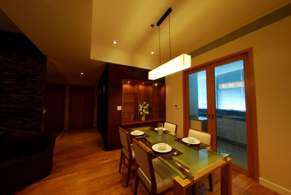 Three bedroom condo for rent in Asoke - Dining area