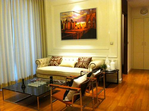 Two bed condo for rent in Thonglor - Living room
