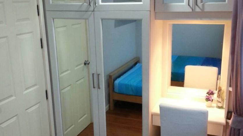 Two bedroom condo for rent in Asoke - Second bedroom storage
