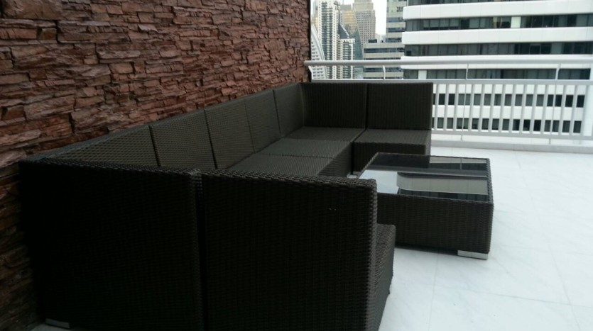 Two bedroom condo for rent in Asoke - Terrace sofa