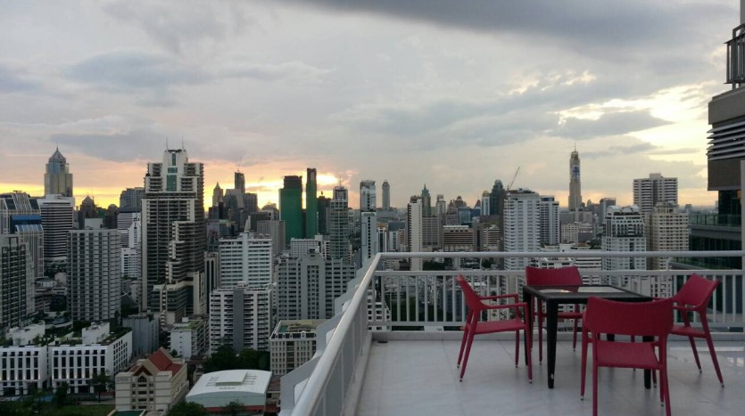 Two bedroom condo for rent in Asoke - Terrace view