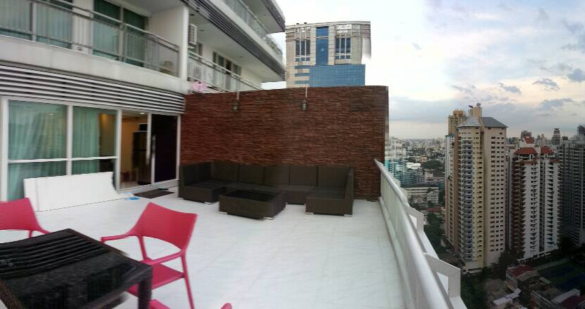 Two bedroom condo for rent in Asoke - Terrace