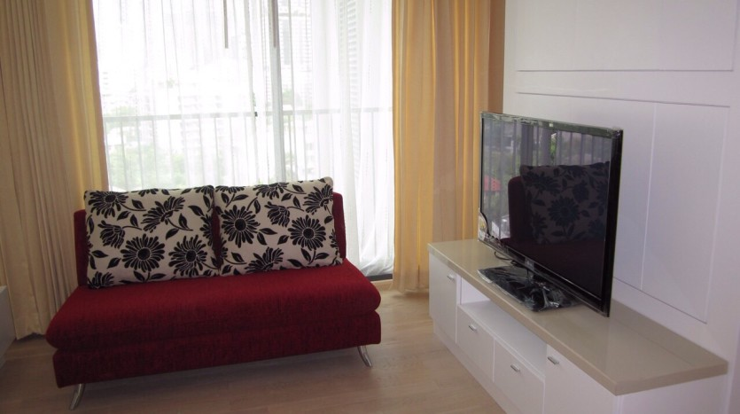 Studio for rent in Thong Lo - Living area