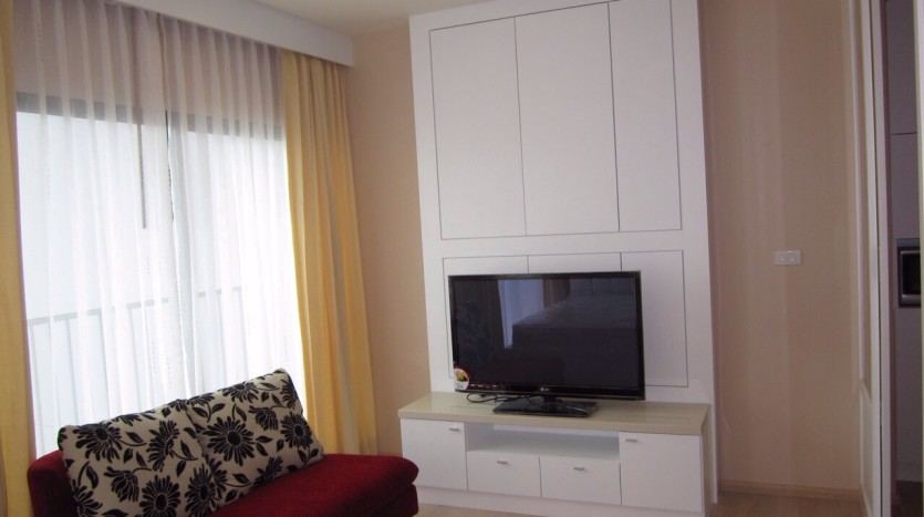 Studio for rent in Thong Lo - TV/Sofa
