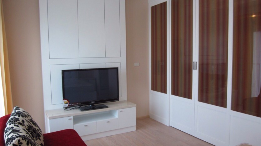 Studio for rent in Thong Lo - TV