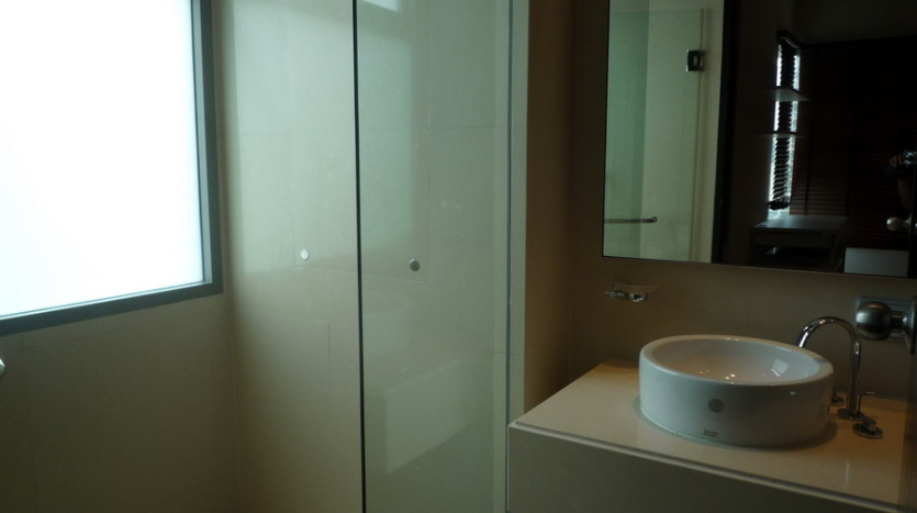 Two bedroom condo for rent in Phrom Phong - En-suite