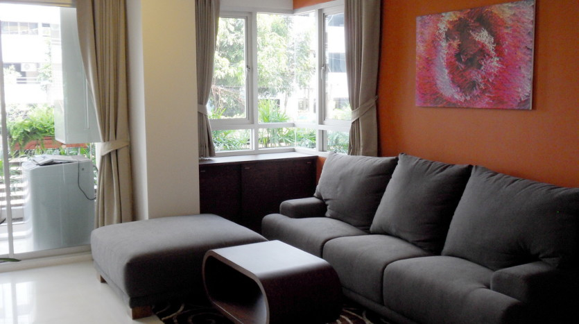 One bed condo for rent in ThongLor - Sofa