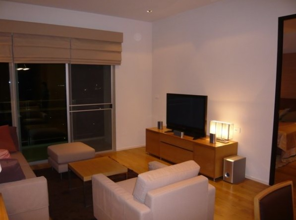 Two bed condo for rent at PhromPhong - Livingroom