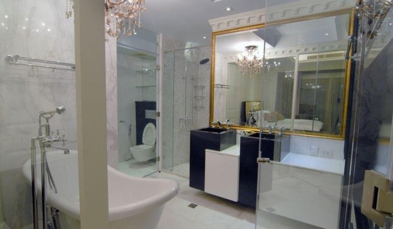 Luxury three bed unit at Silom for rent - Bathroom