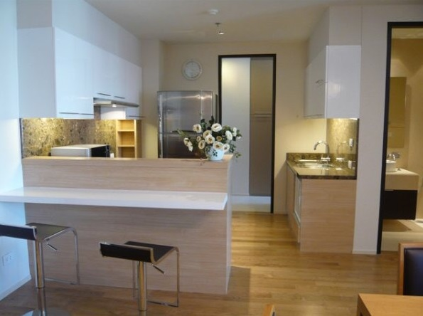 Two bed condo for rent at PhromPhong - Kitchen