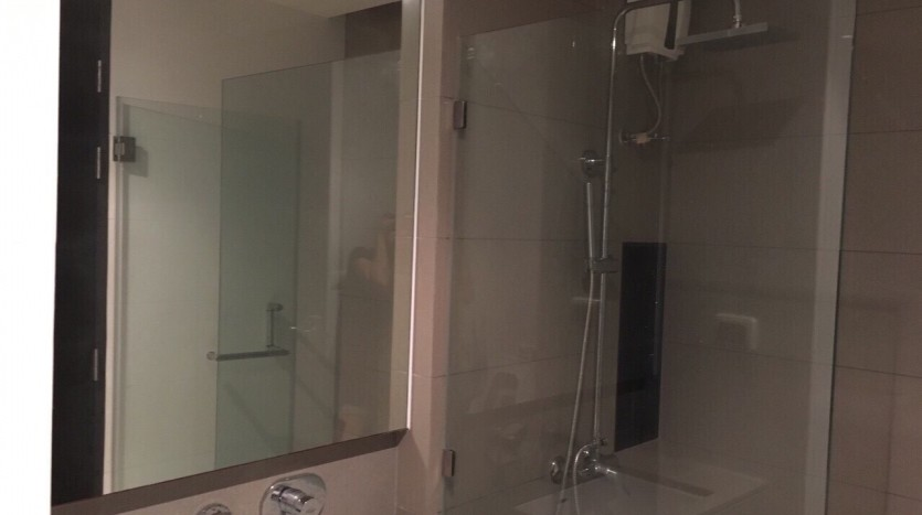 Two bedroom condo for rent in Ratchathewi - Bathroom