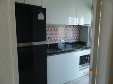Two bedroom condo for rent in Phrakanong - Kitchen