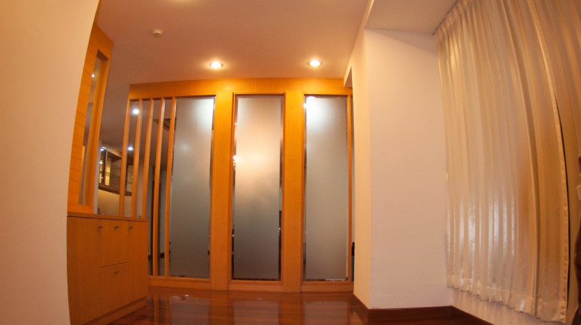 Three bedroom condo for rent in Phrom Phong - Entrance
