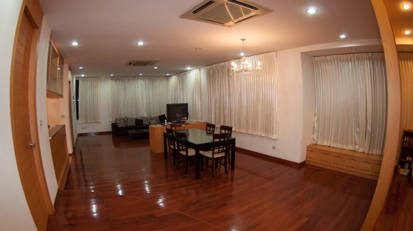 Three bedroom condo for rent in Phrom Phong - Dining room