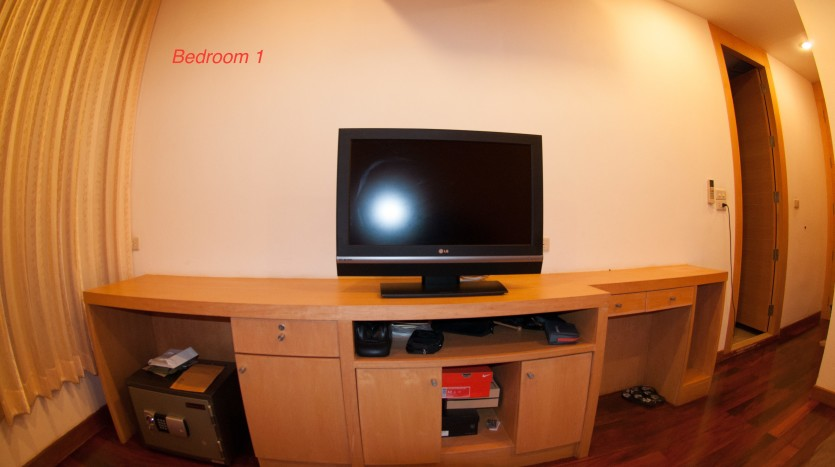 Three bedroom condo for rent in Phrom Phong - TV