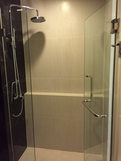 One bedroom condo for rent in Ekamai - Bathroom