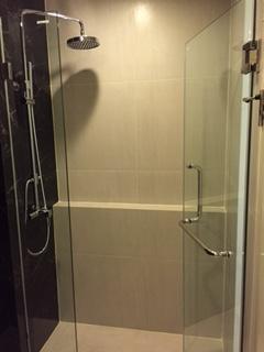 One bedroom condo for rent in Ekamai - Bathroom