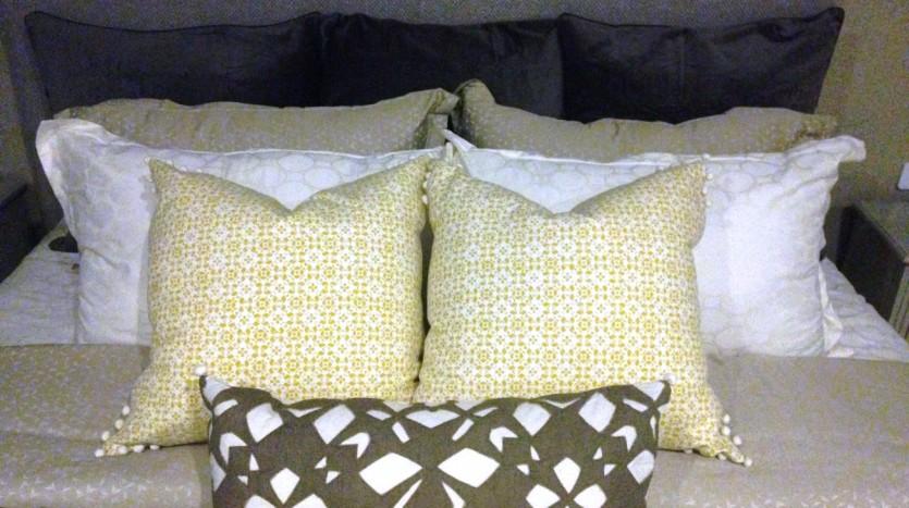 One bedroom condo for rent in Ari - Bedroom pillow set