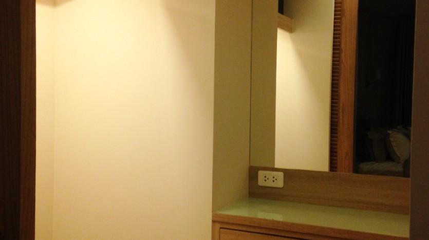 One bedroom condo for rent in Ari - Closet 1
