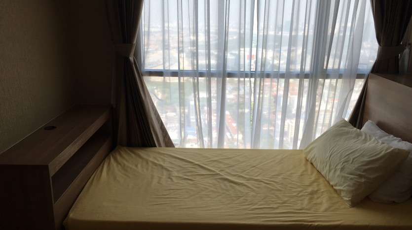 Two bedroom condo for rent in Ari - Second bedroom