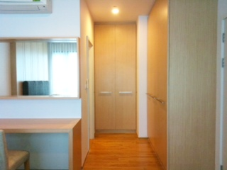 One bedroom condo for rent in Ari - Wardrobe