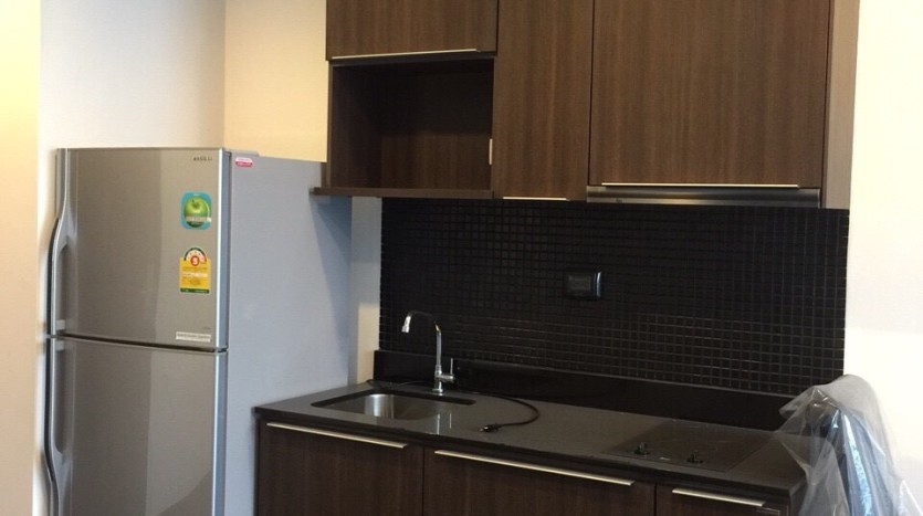 One bedroom duplex condo for rent in PhayaThai - Kitchen