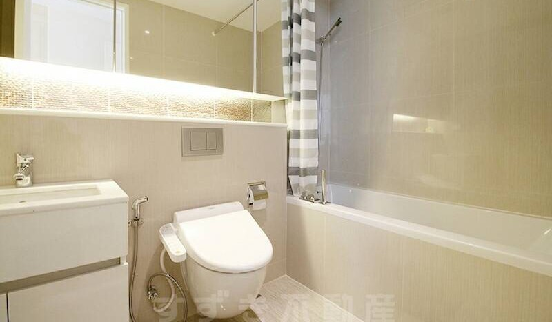 Two bedroom condo for rent Phrom Phong - Bathroom