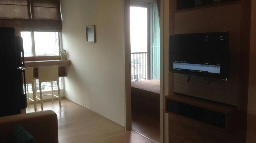 One bedroom condo for rent in Ari - TV