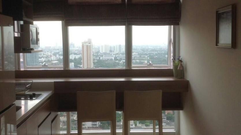 One bedroom condo for rent in Ari - Breakfast bar