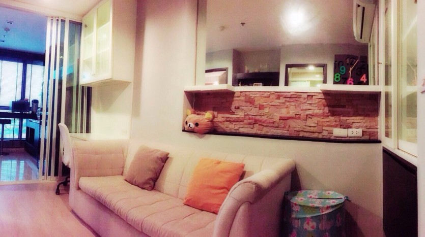 Modern One Bed for rent at Phra kanong - Sofa