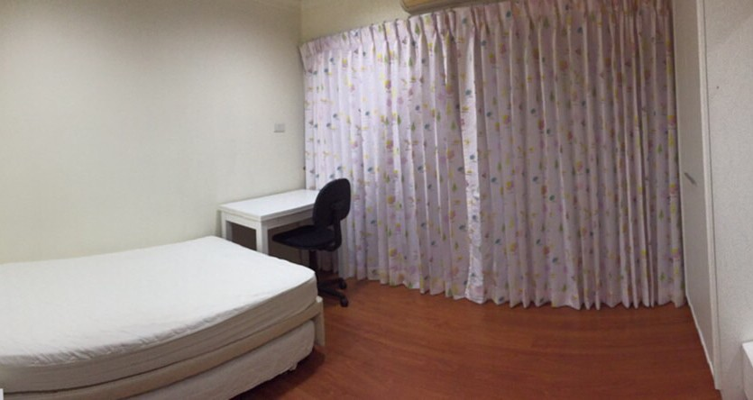 Two bed condo for rent in Thong Lor - 2nd bedroom