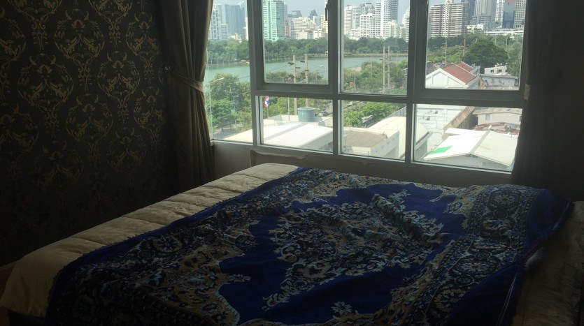 Two bedroom condo for rent in Asoke - Master bedroom 2