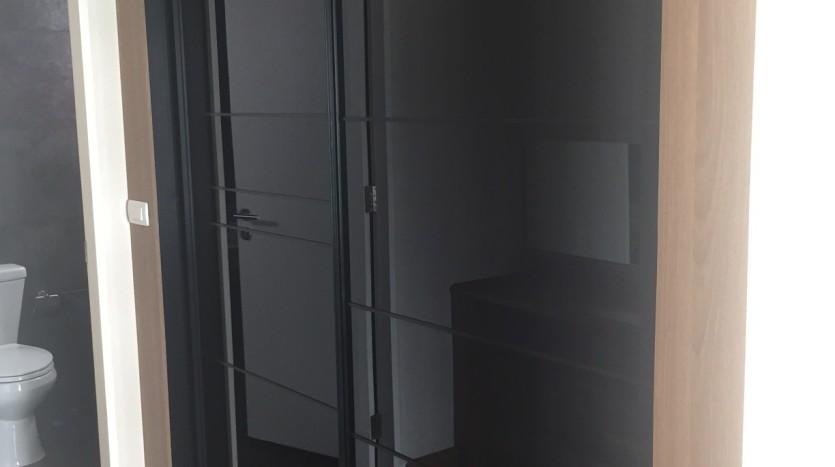 Two bedroom condo for rent in Asoke - Walk in Closet
