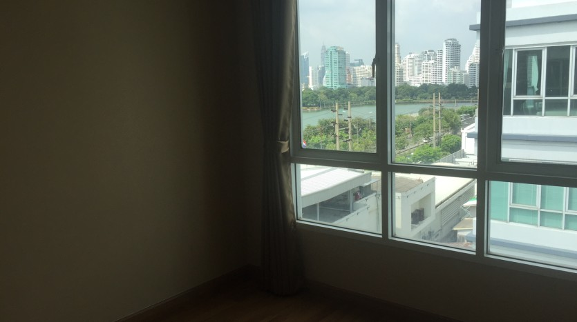 Two bedroom condo for rent in Asoke - Second bedroom