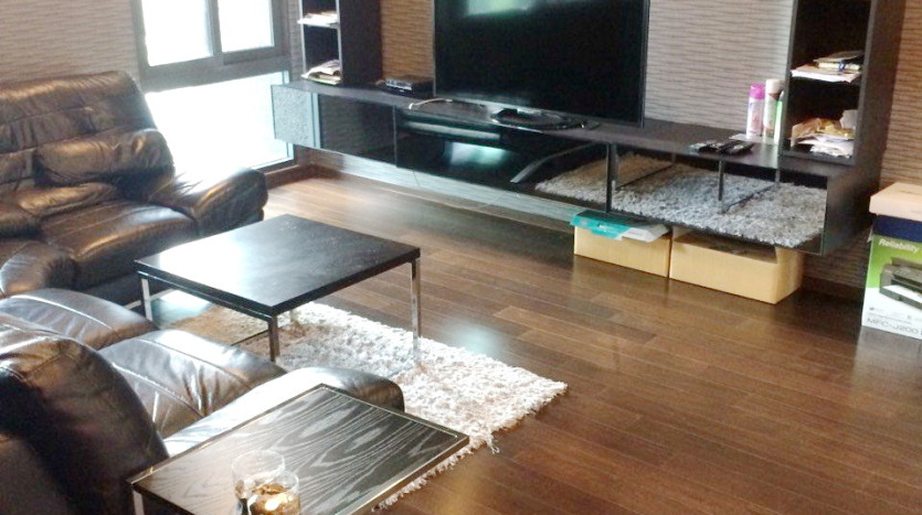 Two bedroom condo for rent in Thong Lo - Living Room Three