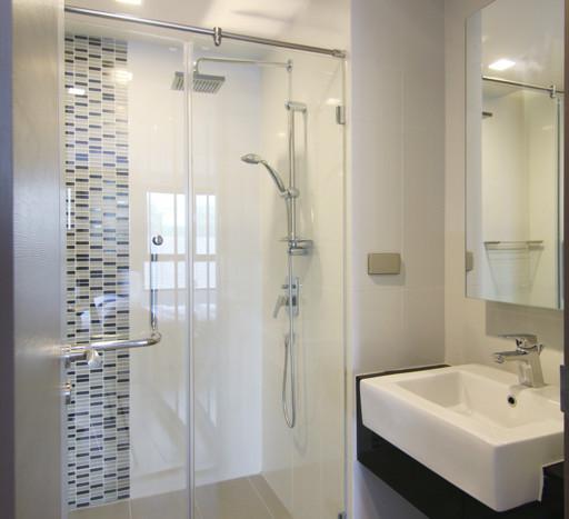One bedroom condo for rent in Asoke - Shower
