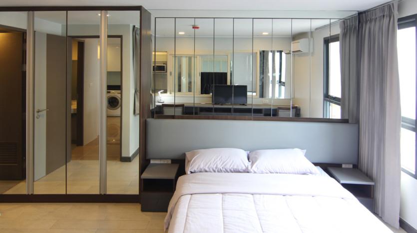 One bedroom condo for rent in Asoke - Bedroom