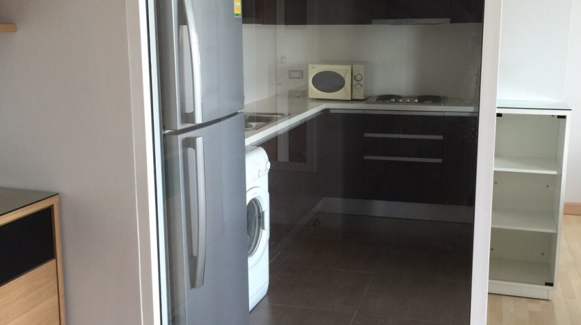 Two bedroom condo for rent in Thong Lo - Kitchen