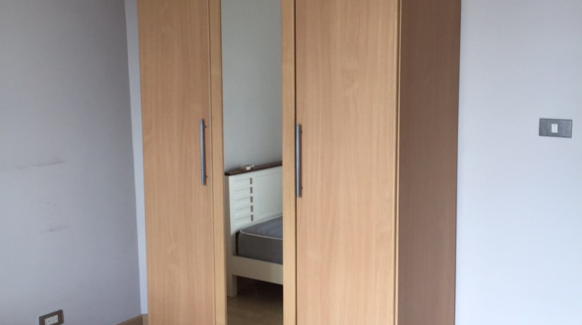 Two bedroom condo for rent in Thong Lo - Wardrobe