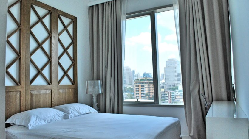 Two bedroom condo for rent in Rajadamri - Guest bedroom