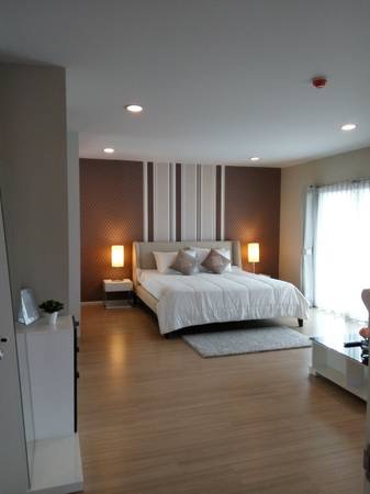 Three bedroom condo for rent in Ploenchit - Master bedroom