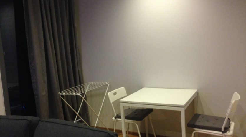 One bedroom condo for rent in Nana - Table