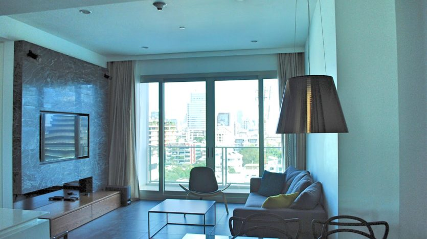 Two bedroom condo for rent in Rajadamri - Living room