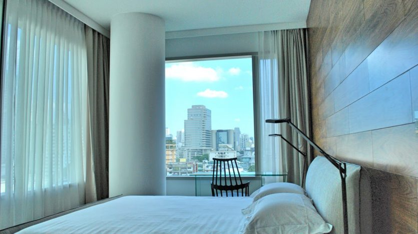 Two bedroom condo for rent in Rajadamri - Master bedroom