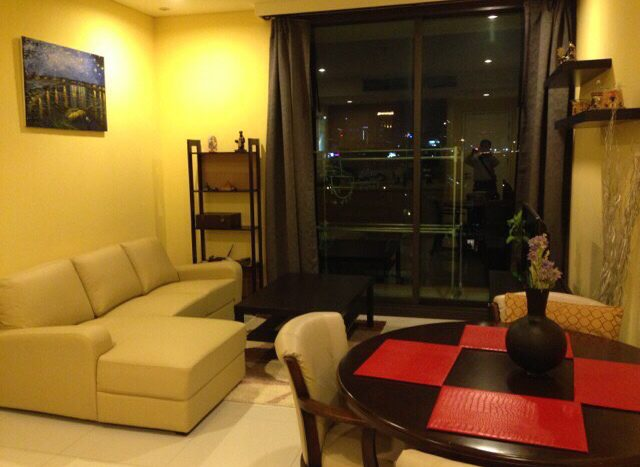 Two bedroom unit for rent in Phrom Phong - Living room